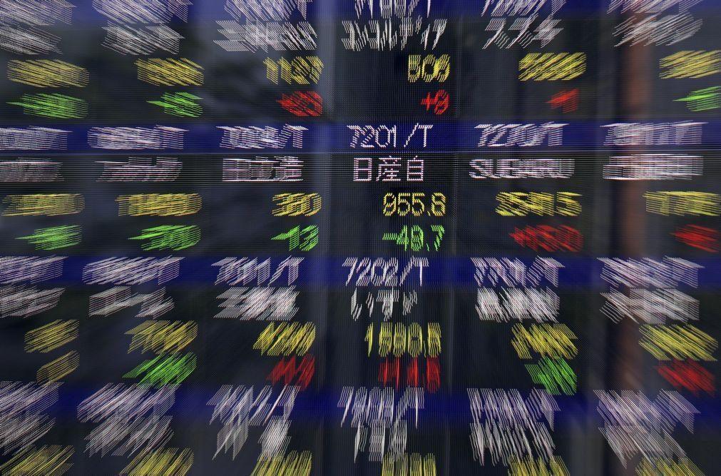 Bolsa de Tóquio fecha a descer 0,26%
