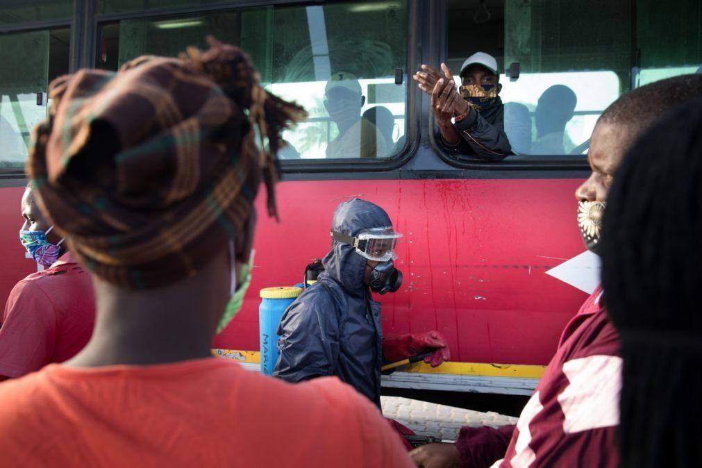 Covid-19: Transmissão local predomina em Moçambique, 58% sem sintomas - autoridades