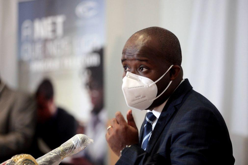 Vandalismo trava reabertura de cabines telefónicas públicas em Angola -- Angola Telecom