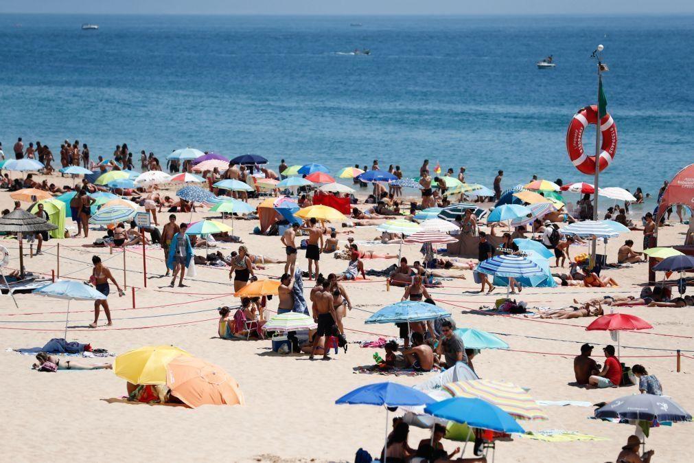 Covid-19: Utentes da praia de Manta Rota queixam-se do incumprimento de regras