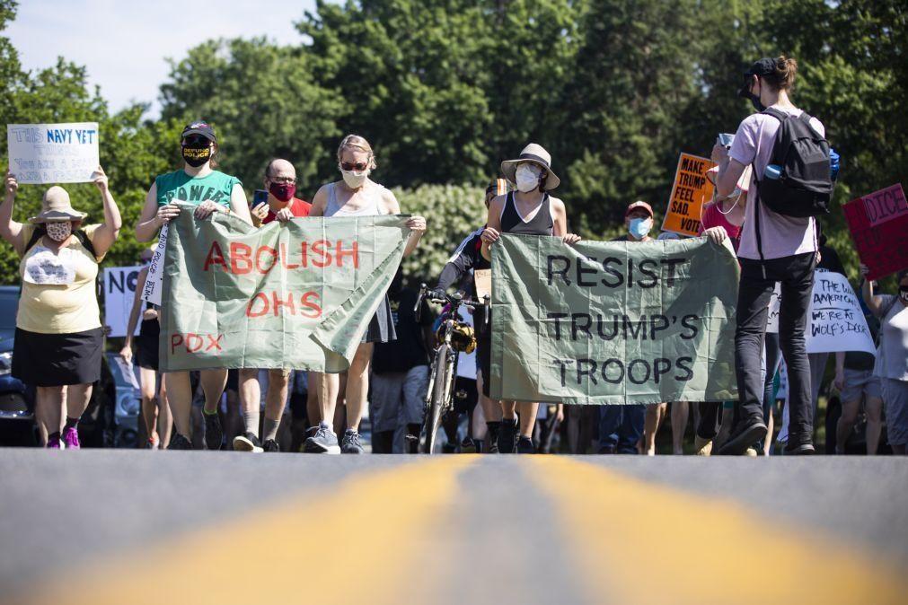 Manifestantes de Portland processam o Departamento de Segurança Interna dos Estados Unidos
