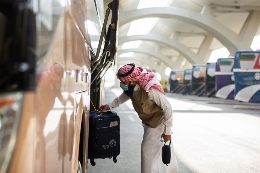 Grande peregrinação a Meca inicia-se hoje com muitas restrições em plena pandemia