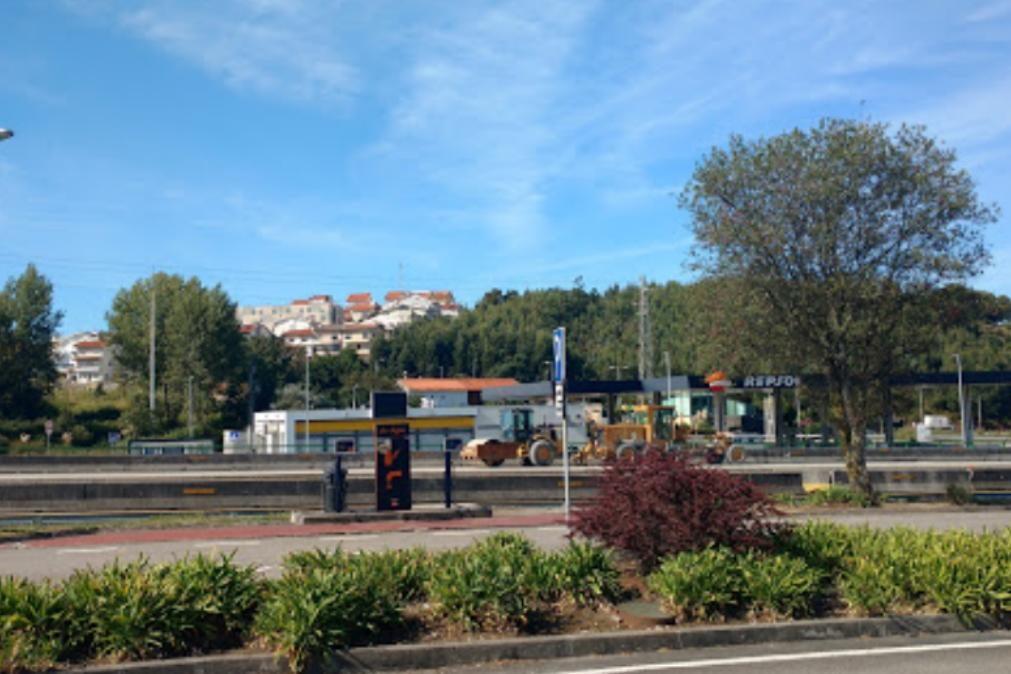 Encapuçados tentam assaltar estação de serviço da A1 à pedrada