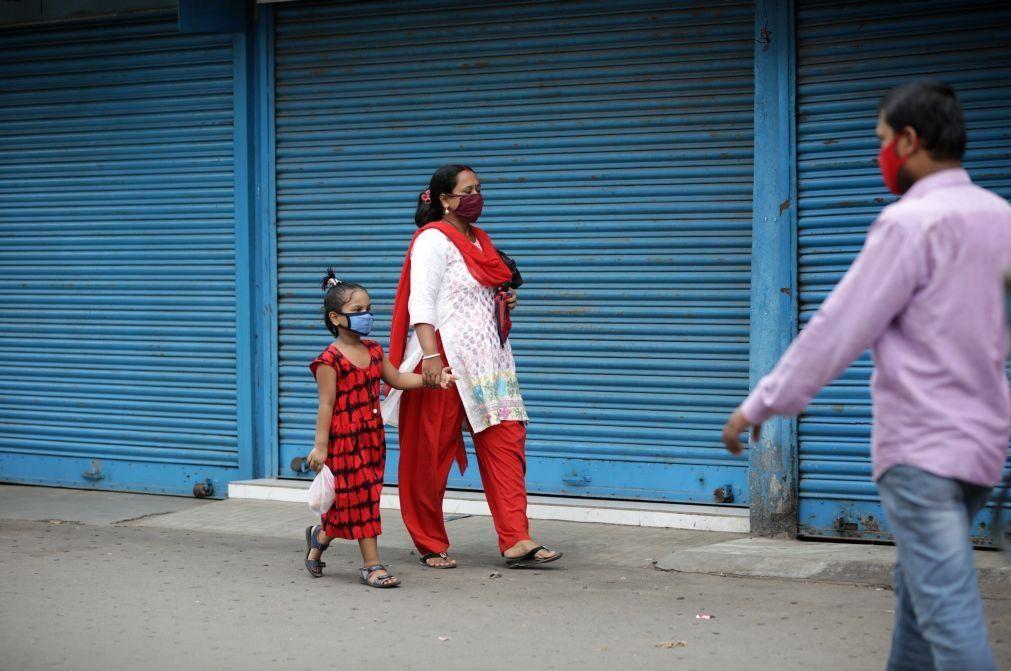 Covid-19: Número de casos na Índia aumenta mais de meio milhão em 12 dias