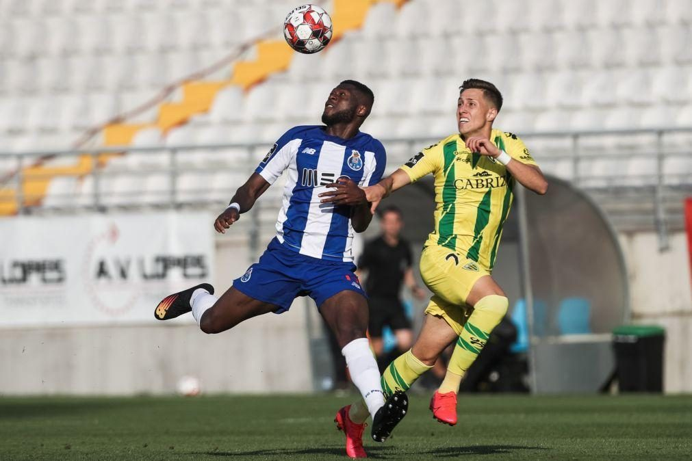 FC Porto com Mbemba em