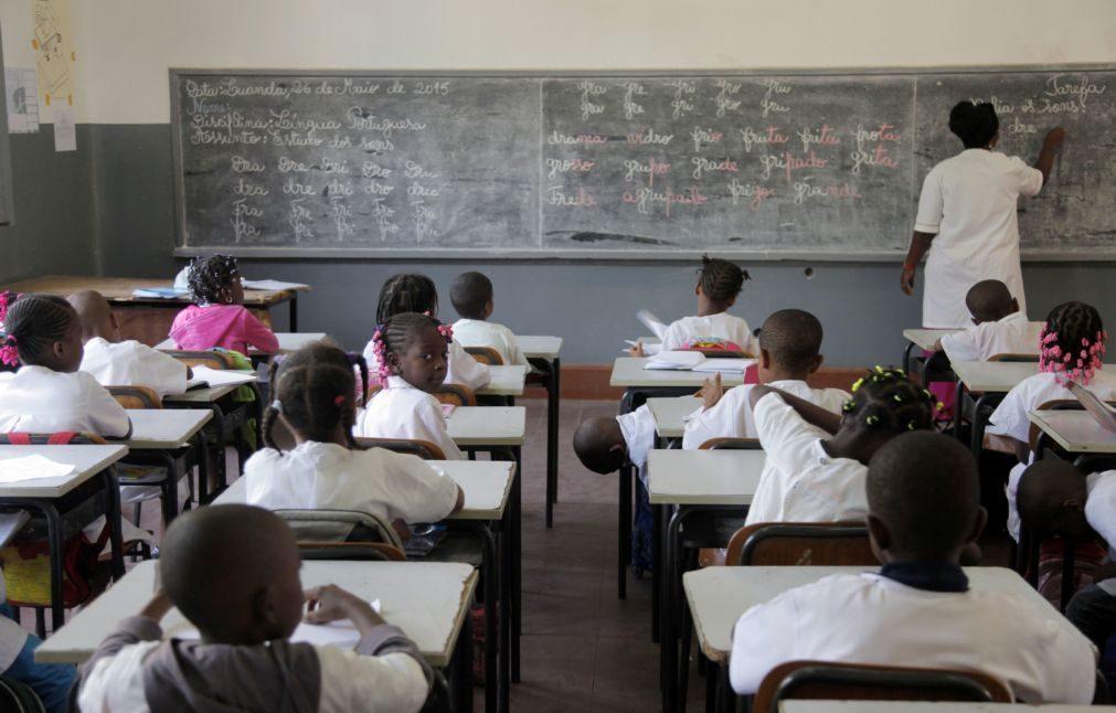 Governo angolano determina comparência nas escolas para 50% dos professores e funcionários
