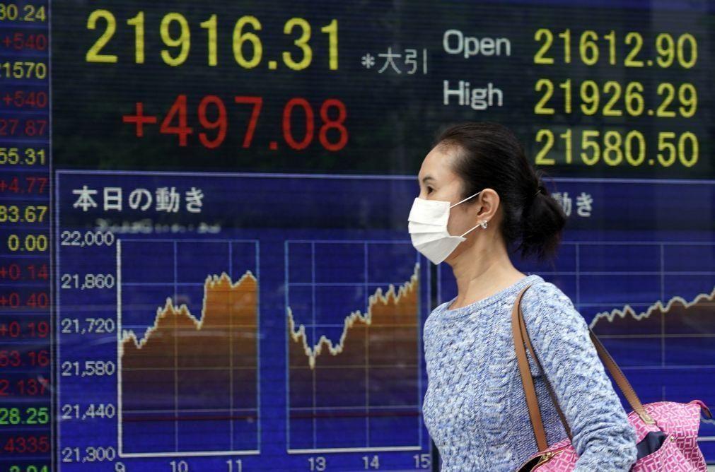 Bolsa de Tóquio abre a ganhar 0,35%