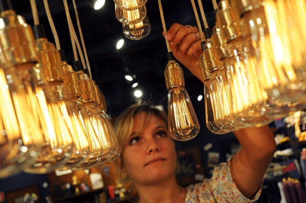 Mercado livre de eletricidade cresce 2,5% em junho com mais 12,1 mil clientes - ERSE