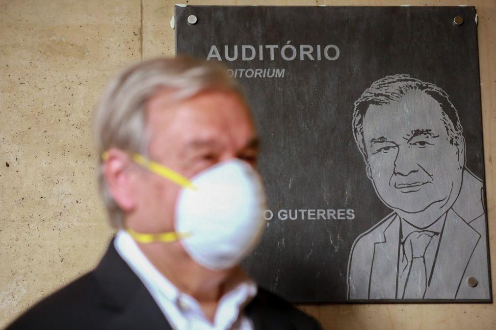 Secretário-geral da ONU homenageado com nome gravado em placa de xisto no Museu do Côa