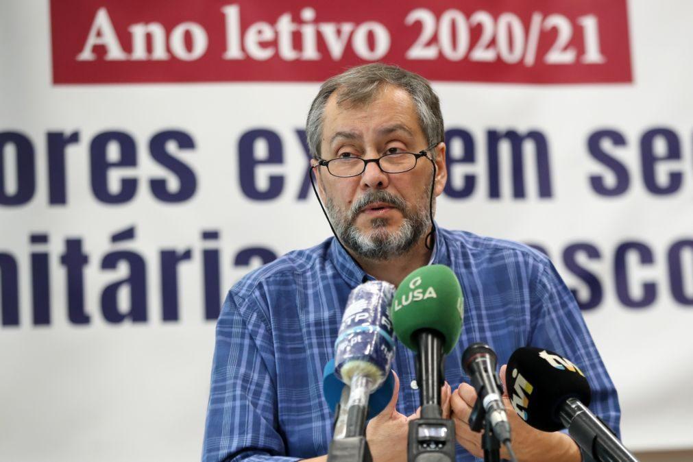 Último ano letivo confirmou desvalorização da educação, diz Fenprof