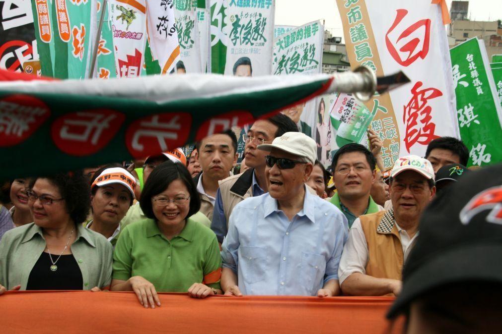 Morreu o antigo Presidente de Taiwan o