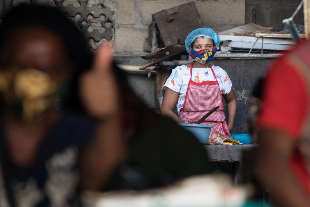 Covid-19: ONU e parceiros disponibilizam 13 mil máscaras para mulheres em Maputo