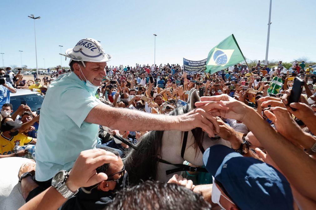 Covid-19: Presidente brasileiro tem infeção pulmonar e está a antibióticos