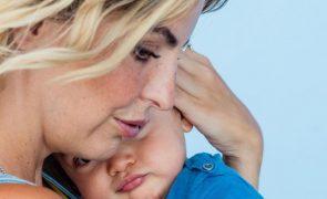 Jessica Athayde sente-se uma «merd* de mãe» por deixar filho