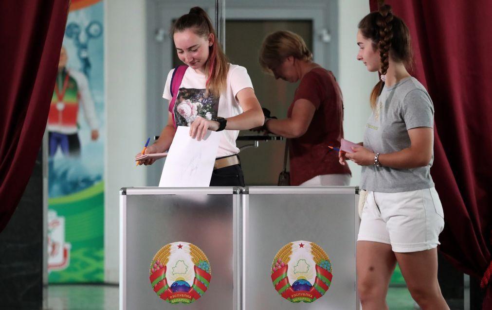 Bielorrússia/Eleições: Segurança reforçada em Minsk onde há dificuldade em aceder à Internet