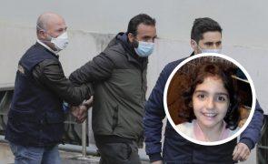 Valentina esbofeteada pela madrasta depois de o pai tê-la espancado