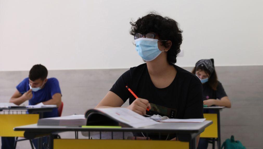 Escolas já receberam verba para comprar máscaras para alunos e funcionários