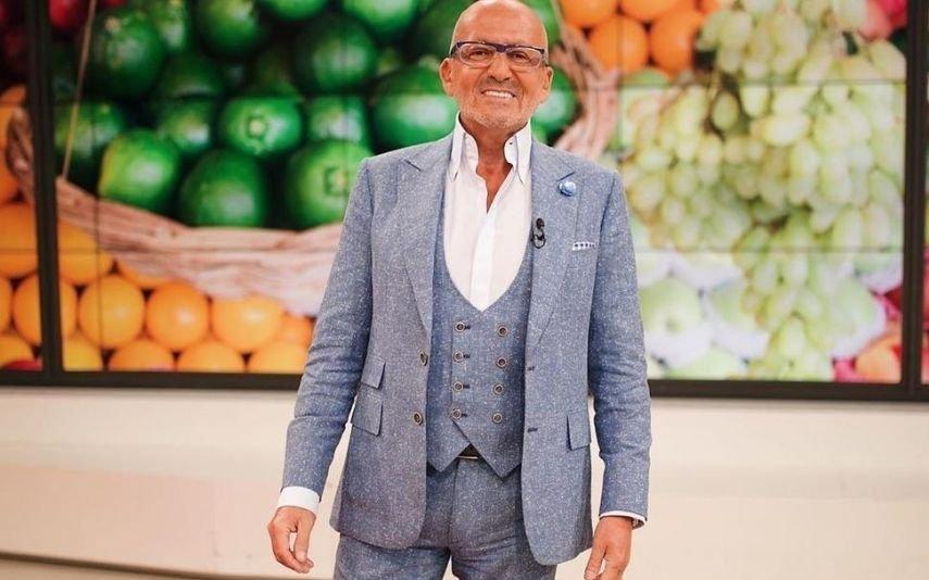 Manuel Luís Goucha. Consegue imaginar o apresentador na estrada com uma banca de pepinos?