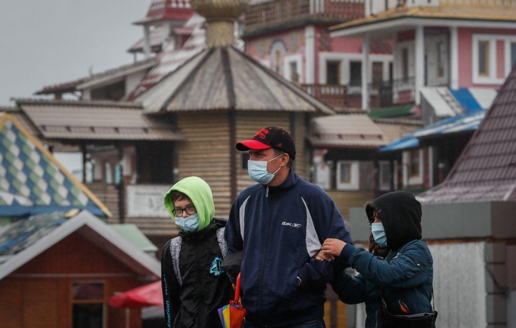 Covid-19: Vacinação voluntária em massa na Rússia começa dentro de um mês