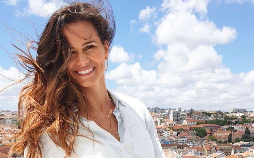 Cláudia Vieira dá erro ortográfico e fãs não perdoam: «Bendito Camões»