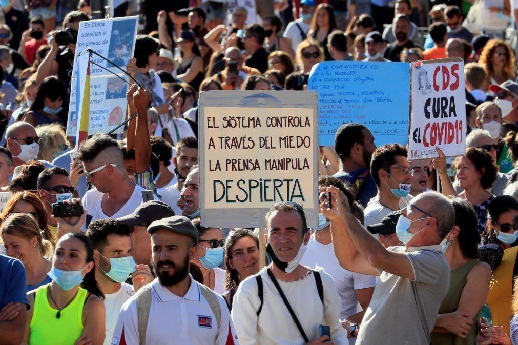 Covid-19: Cerca de 2.500 pessoas protestam em Madrid contra uso de máscara