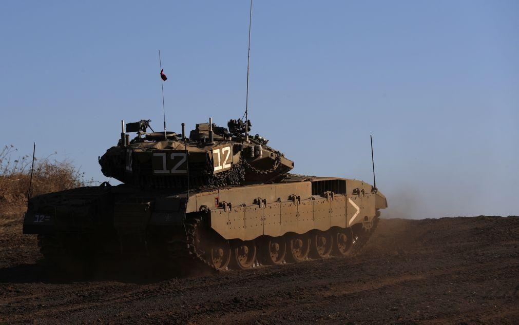 Israel bombardeia posições do Hamas em Gaza