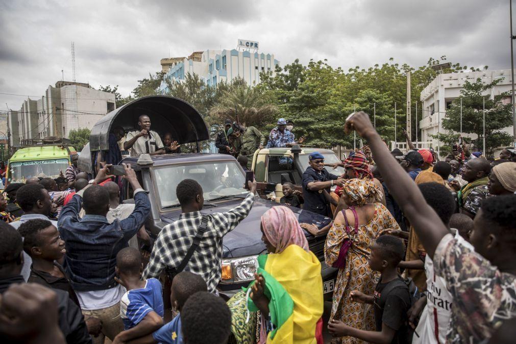 Mali: CEDEAO impõe embargo económico parcial na sequência do golpe de Estado
