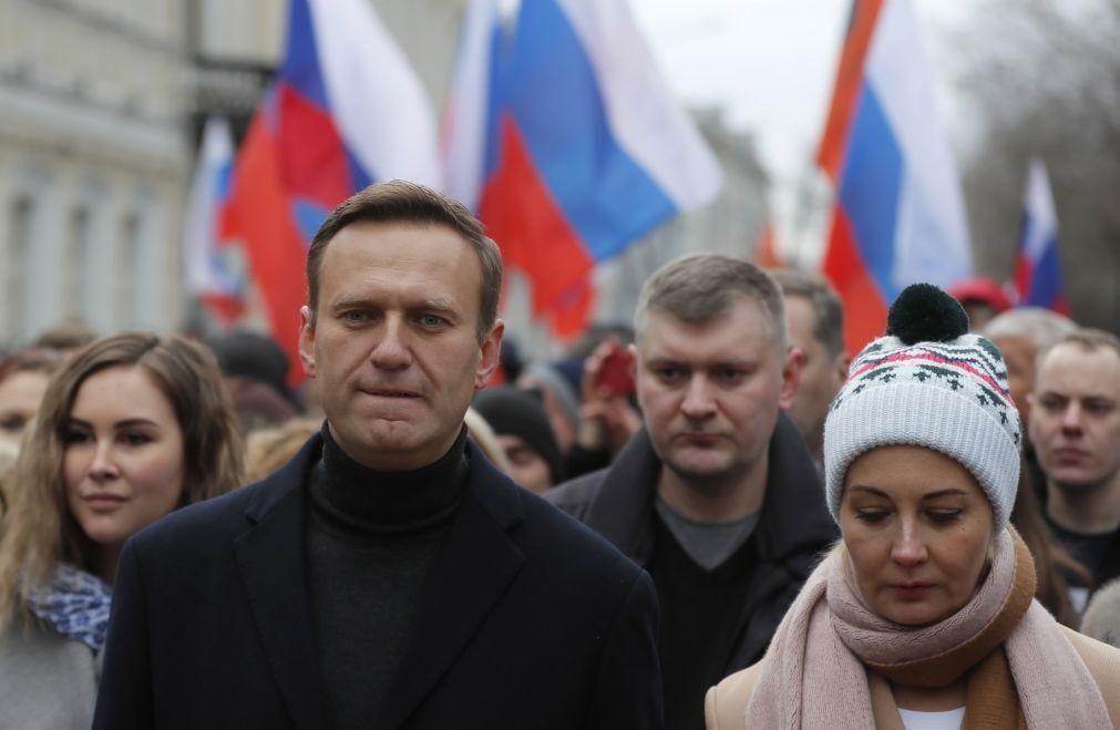 Navalny: Berlim em contacto com Moscovo para resolver
