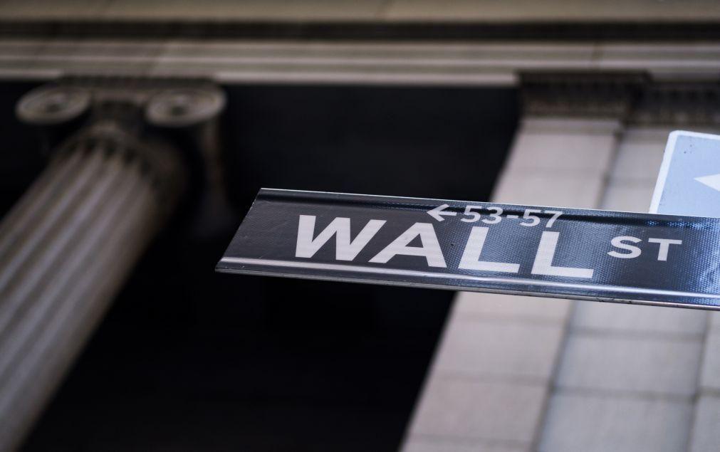 Wall Street sobe após Fed ter anunciado flexibilização na meta da inflação