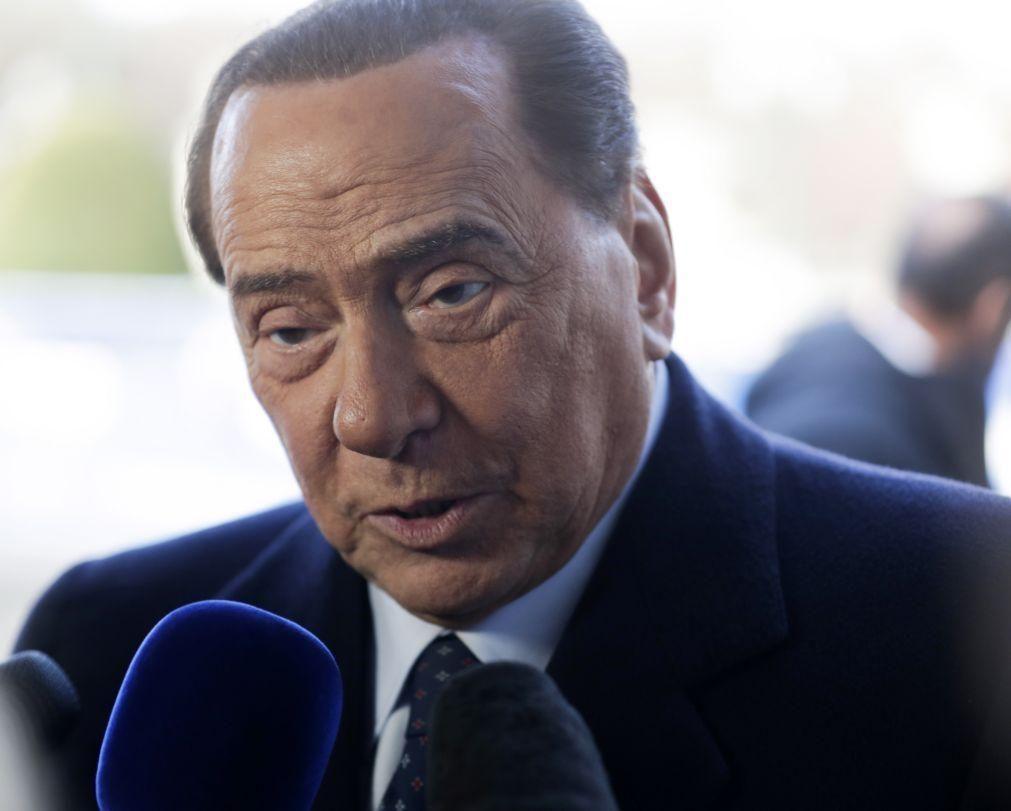 Covid-19: Antigo primeiro-ministro italiano Silvio Berlusconi testou positivo