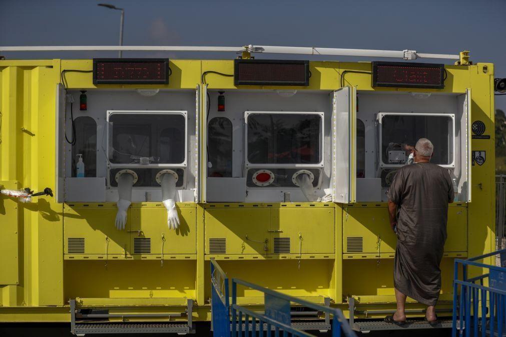 Covid-19: Trinta cidades israelitas voltam ao confinamento após recorde de contágios