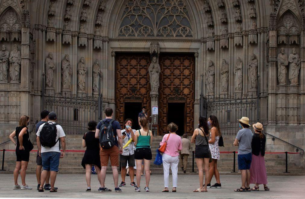 Covid-19: Turismo na UE com quebra de 75% em junho face a fevereiro - Eurostat
