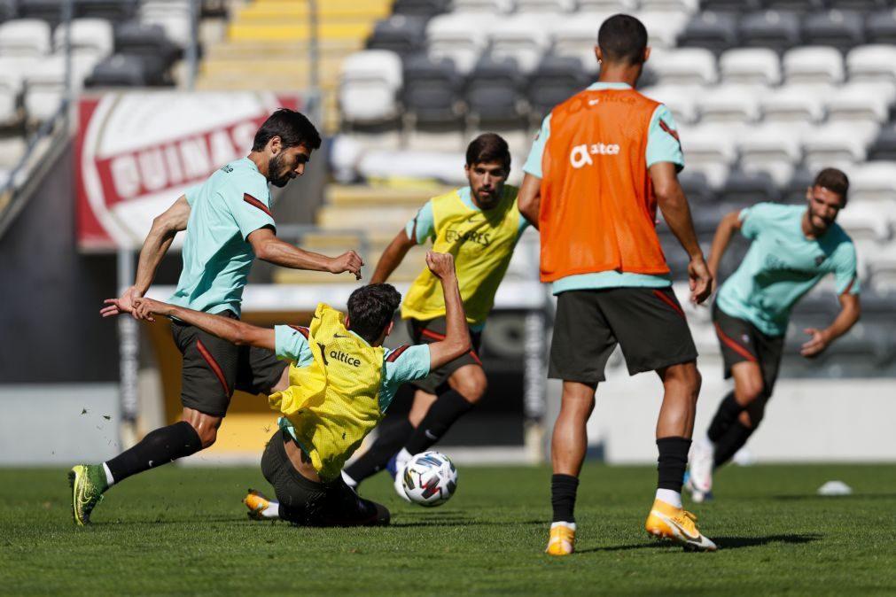 'Suplentes' de Portugal cumprem último treino antes da partida para a Suécia