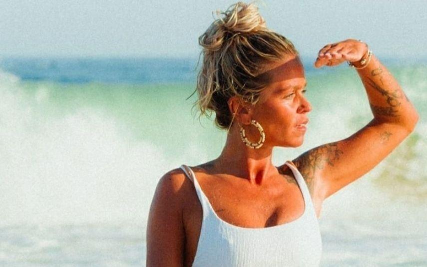 Áurea celebra 33 anos com fotos de cortar a respiração