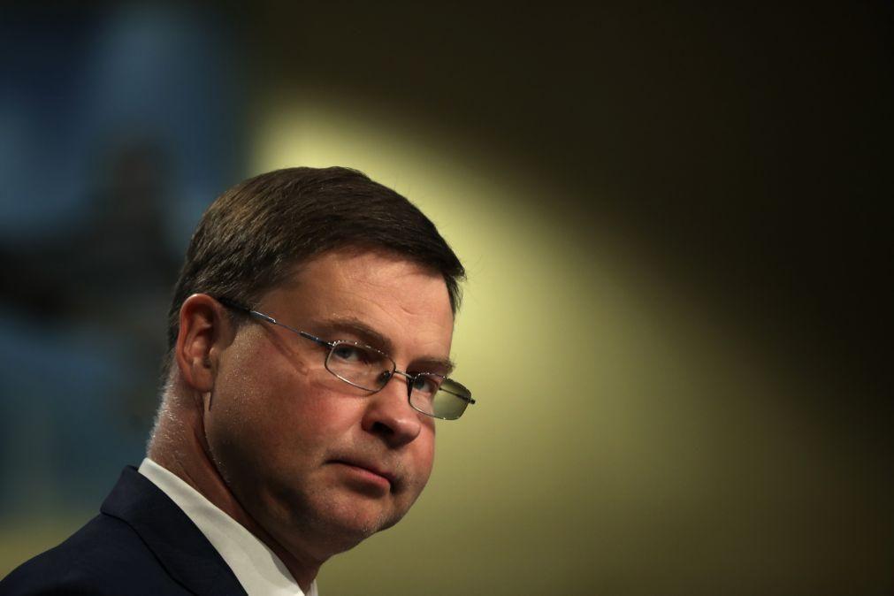 Covid-19: Despesa pública não é suficiente para superar a crise - Dombrovskis