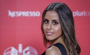 Carolina Patrocínio queixa-se de vestido no Fama Show