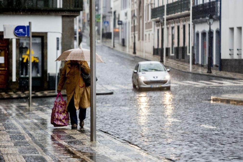 Grupo Central dos Açores sob aviso laranja devido à chuva forte e trovoada devido a uma depressão