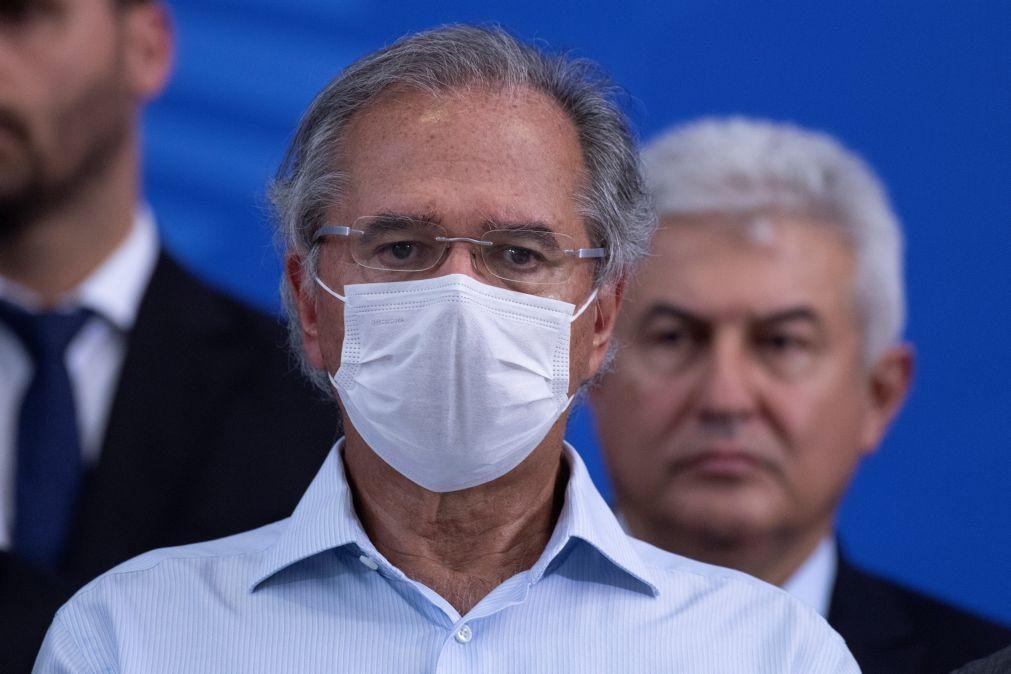 Covid-19: Governo brasileiro prevê menor retração económica do que o esperado