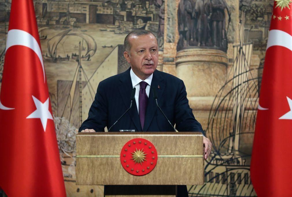 Erdogan avisa França para