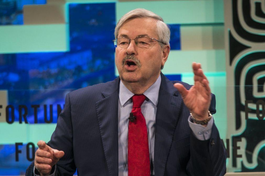 Embaixador dos Estados Unidos na China deixa o cargo no próximo mês - oficial