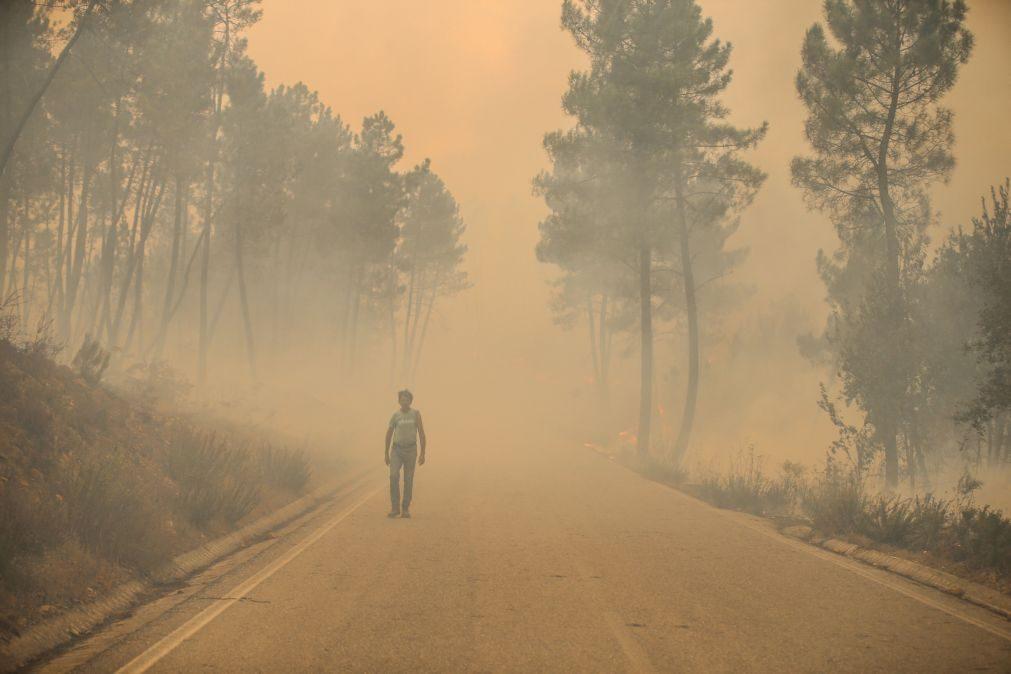Incêndios: Habitantes da área atingida pelo fogo de Proença-a-Nova devem manter estado de alerta