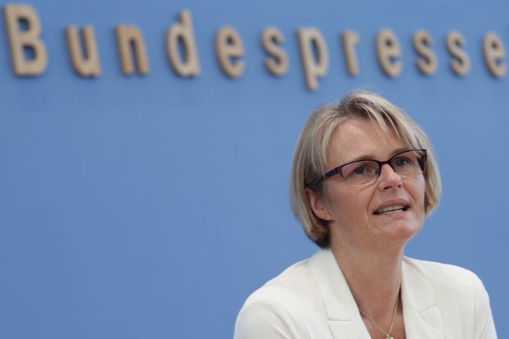 Covid-19: Alemanha investe até 750 milhões de euros para desenvolver vacina