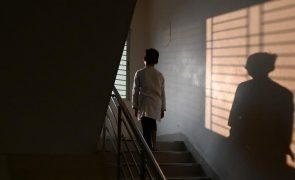 Açores. Homem de 18 anos detido por violar o irmão de 5