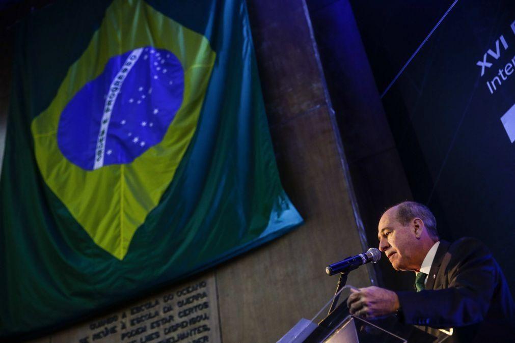 Ministro da Defesa brasileiro diz que país está a finalizar míssil balístico