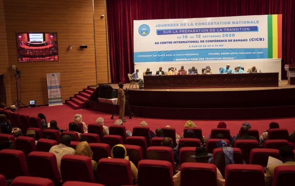 Mali: Líderes da África Ocidental concordam com transição civil de 18 meses