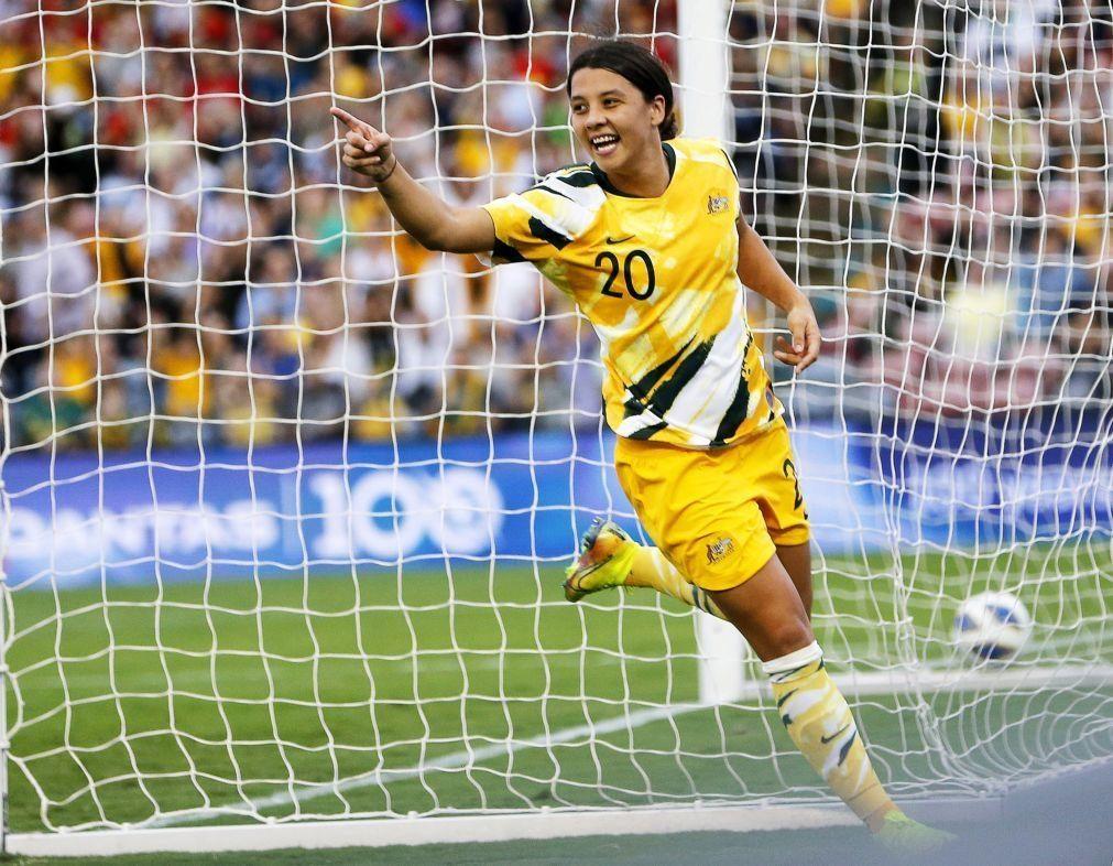 Covid-19: Ajustes financeiros conduzem à 'igualdade de género' no futebol australiano