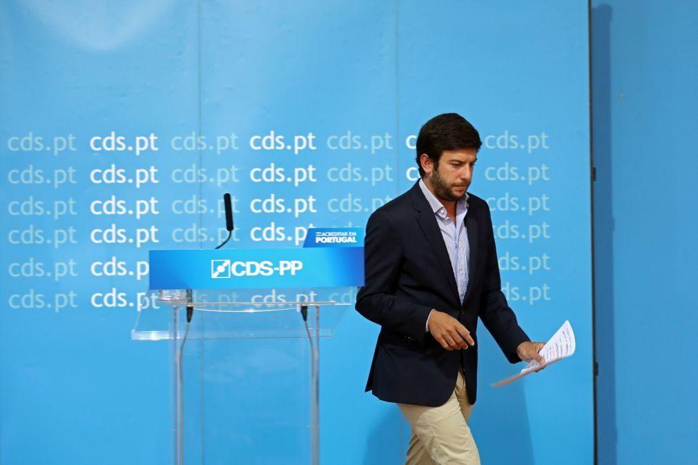 Líder do CDS-PP critica Pires de Lima e as