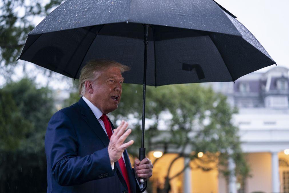 EUA/Eleições: Donald Trump reforça ataques ao voto por correspondência