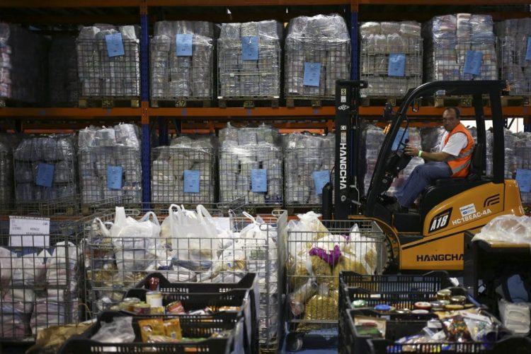 Banco Alimentar recolhe 1.100 toneladas de alimentos no primeiro dia da campanha