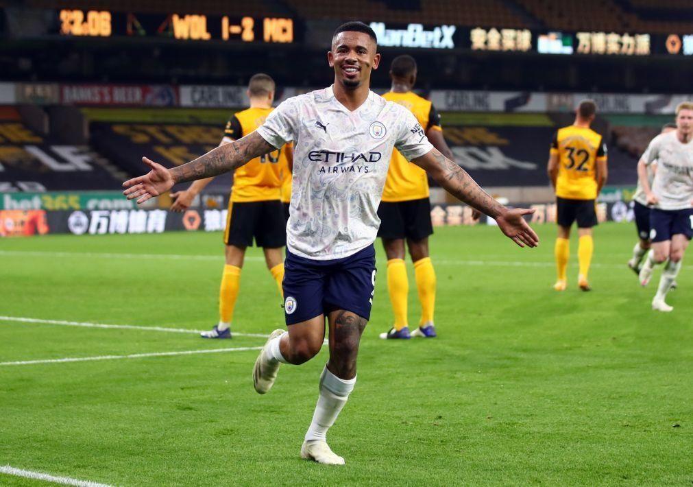 Manchester City sofre, mas vence por 3-1 em casa do